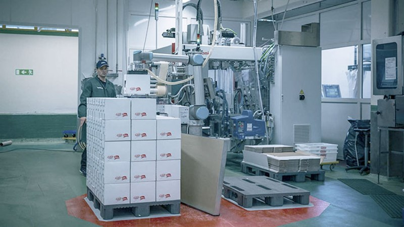 palletizing-robot-at-nortura-collaborative-robots