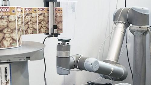 cobots-help-automate-taske-at-prysm-universal-robots