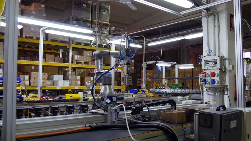 ur3_assembly_line_increase_efficiency_and_productivity_collaborative_robots